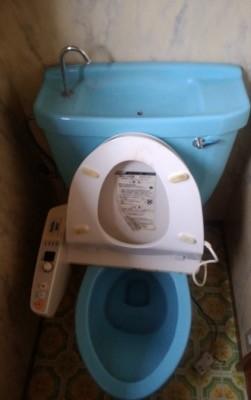 便器・タンク・便座・給水管・止水栓 東京都多摩