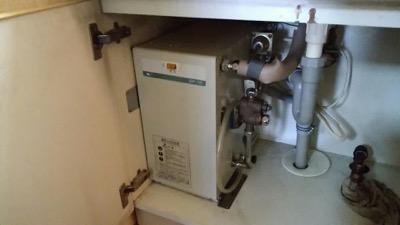洗面所用小型電気温水器 東京都練馬